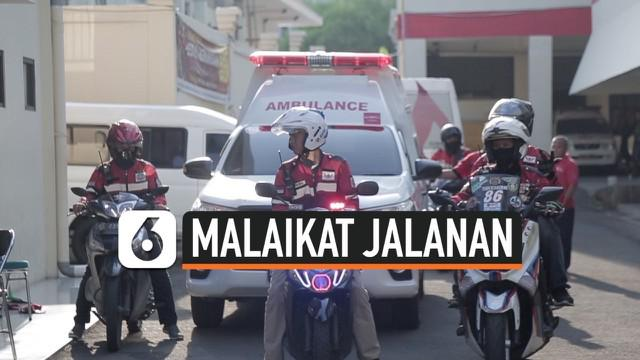 Indonesia Escorting Ambulance muncul karena keresahan sekolompok orang, yang sering mendapati ambulance terperangkap kemacetan, Mereka membantu secara cuma-cuma, membukakan jalan agar ambulance dapat meluncur tanpa halangan.