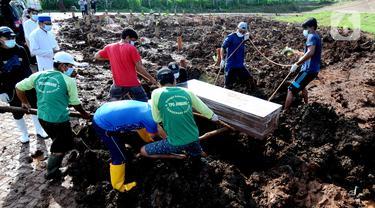 FOTO: Kasus Kematian Akibat COVID-19 di Tangerang Selatan Meningkat