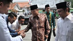 Ketua Umum Pengurus Besar Nahdlatul Ulama (PBNU) Said Aqil Siradj menghadiri acara halalbihalal Idul Fitri 1440 H di Kantor DPP PKB, Jakarta, Senin (17/6/2019). Acara ini juga dihadiri para ulama, kader dan menteri Kabinet Kerja dari PKB. (merdeka.com/Iqbal S Nugroho)
