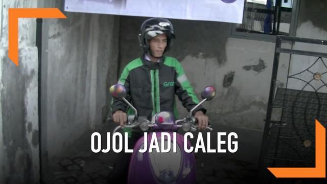 Punya misi mulia ingin meningkatkan rekan-rekan seprofesi, seorang ojeg online di Cianjur mengajukan diri jadi calon legislatif.