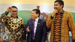 Fadli Zon, bersama Setya Novanto, dan Maruarar Sirait saat menghadiri dialog Dialektika Demokrasi di Gedung Parlemen Senayan, Jakarta, Selasa (1/11). Dialog tersebut membahas pertemuan antara Presiden Jokowi dengan Prabowo.(Liputan6.com/Johan Tallo)