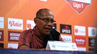 Pelatih PSIS Semarang, Bambang Nurdiansyah. (Bola.com/Abdi Satria)