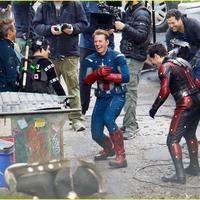 Suasana syuting Avengers 4. (justjared.com)