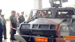 Citizen6, Cilangkap:  TNI kini memiliki Kendaraan Taktis (Rantis) 4 x 4 yang dikenal dengan 4-Wheels Drive (4WD atau 4 x 4) yaitu kendaraan taktis yang memiliki tenaga penggerak pada keempat rodanya. (Pengirim: Badarudin Bakri)