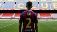 Rekrutan anyar Barcelona, Sergino Dest, bertekad untuk membantu timnya meraih kesuksesan. (dok. FC Barcelona)