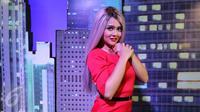 Jenita Janet saat menjadi bintang tamu di acara Dear Haters Liputan6.com di SCTV Tower, Jakarta (3/4). (Liputan6.com/Fatkhur Rozaq)