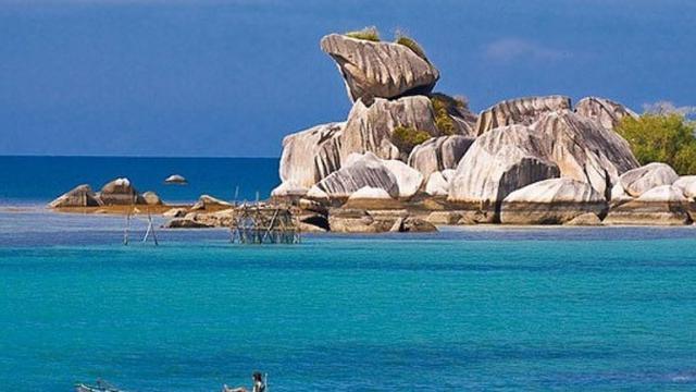 Pagi Pagi Jatuh Cinta Di Pantai Tanjung Kelayang Regional Liputan6 Com