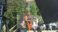 Gubernur Jawa Tengah Ganjar Pranowo menjadi sorotan dalam perhelatan Nitilaku Perguruan Kebangsaan (Liputan6.com/Switzy Sabandar)