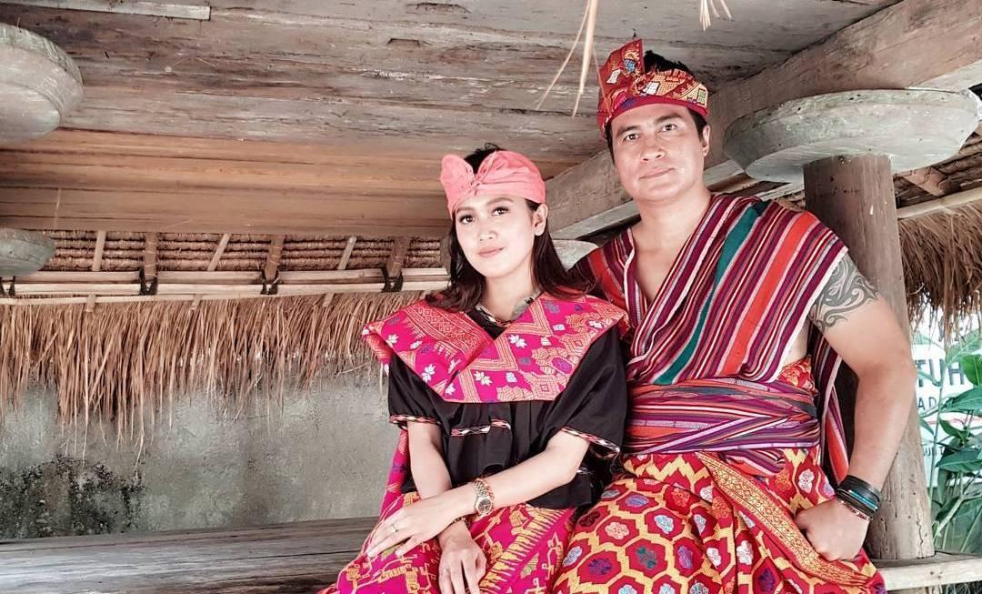 Adjie Pangestu dan Novita Petria liburan ke Lombok [foto: www.instagram.com/adjiepangestu]