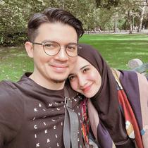 Zaskia Sungkar dan Irwansyah mesra. (Instagram/zaskiasungkar15)