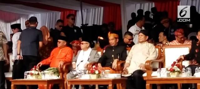 Pasangan calon presiden (capres) dan calon wakil presiden (cawapres) Jokowi-KH Ma'ruf Amin berserta Prabowo Subianto-Sandiaga Salahuddin Uno membacakan deklarasikan kampanye damai Pilpres 2019.