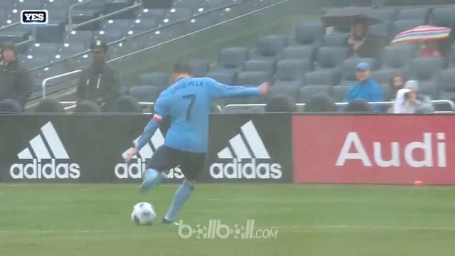 David Villa terus menunjukkan performa apiknya meski sudah menginjak usia 36 tahun. This video is presented by Ballball.