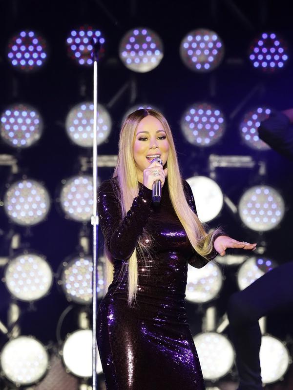 Mariah Carey pukau ribuan fans di Borobudur (Bambang E Ros/Fimela.com)#source%3Dgooglier%2Ecom#https%3A%2F%2Fgooglier%2Ecom%2Fpage%2F%2F10000
