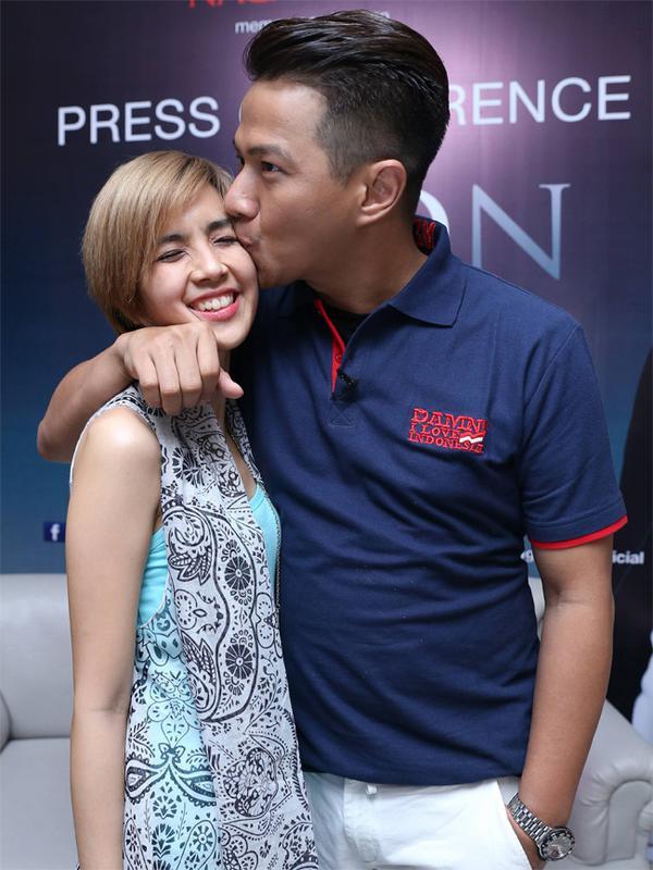 Delon dan Yeslin Wang