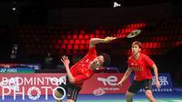 Atlet bulutangkis ganda putra Indonesia, Kevin Sanjaya Sukamuljo dan Marcus Fernaldi Gideon saat tampil melawan wakil Malaysia di ajang Piala Thomas 2020 yang berlangsung di Denmark, Jumat (15/10/2021). (Badminton Photo/Yves Lacroix)