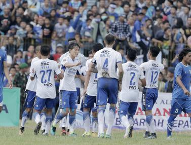 Persib Bandung Vs Perserang Serang