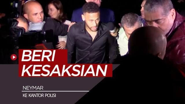 Berita video bintang PSG asal Brasil, Neymar, memberi kesaksian ke kantor Polisi di Rio de Janeiro terkait kasus foto model yang menuduhnya telah memperkosa dirinya.