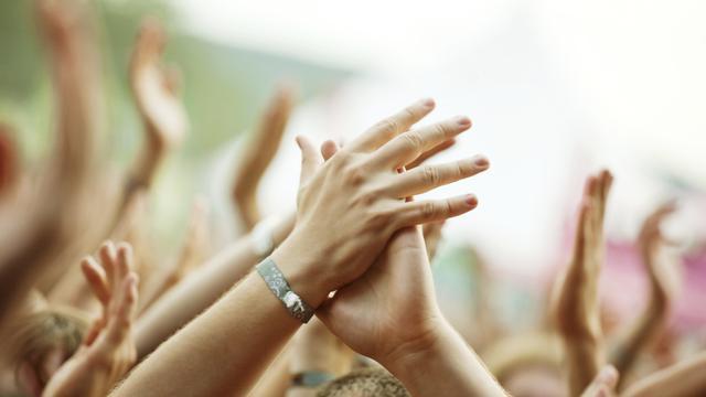 Wanita Mengalami Kelainan Viral, Suaranya Merdu Lantunkan Ayat Suci