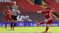 Liverpool kemudian mendapat peluang melalui tendangan keras Diogo Jota, lagi-lagi usahanya masih menemui kegagalan. (Foto: AFP/Pool/David Klein)