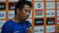 Kiper Persib Bandung I Made Wirawan kecewa dengan hasil imbang kontra Tira Persikabo. (Liputan6.com/Huyogo Simbolon)