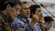 Arif Budiman (kedua kiri) memberikan penjelasan saat menghadiri uji publik tentang peraturan KPU di gedung KPU, Jakarta, Rabu, (18/3/2015). (Liputan6.com/Johan Tallo)