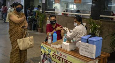FOTO: Rekor, India Laporkan 115.736 Kasus COVID-19 dalam Sehari