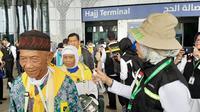 Jemaah Haji Indonesia di Terminal Haji di Bandara Prince Mohammed bin Abdul Aziz di Madinah. Liputan6.com/Nurmayanti