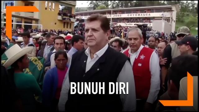 Alan Garcia, mantan Presiden Peru mengakhiri hidupnya dengan cara menembak dirinya sendiri. Tindakan tersebut ia lakukan untuk menghindari penahanan atas dirinya.