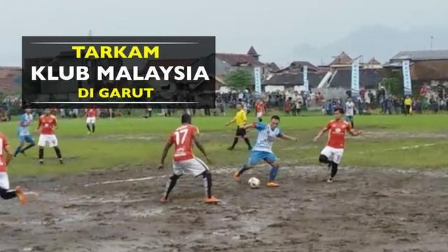 Video laga uji coba pramusim klub Malaysia, T-Team, di Garut, Jawa Barat, Senin (5/12/2016).