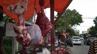 Salah satu lapak penjual daging Meugang di Gampong Beurawe, Kota Banda Aceh (Liputan6.com/Rino Abonita)