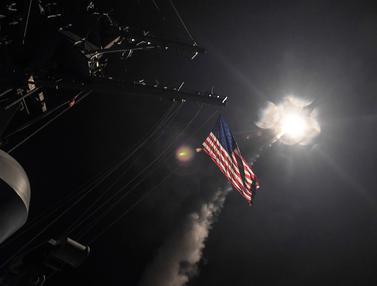 20170407-AS Tembakkan Rudal Tomahawk ke Suriah-AP
