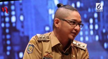 Pasha 'Ungu' kembali jadi sorotan. Kali ini, gaya rambut sang Wakil Walikota Palu yang jadi perbicangan.