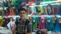 """""""Kartina"""" merupakan salah satu brand hijab yang ternama di negeri ini. Berkembangnya Kartina tak lepas dari buah karya Kartina Elfa dan usah"""