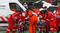 Pebalap Avintia Ducati, Loris Baz, harus absen pada MotoGP San Marino di Misano, akhir pekan ini, karena cedera setelah mengalami kecelakaan hebat pada MotoGP Inggris di Silverstone, (4/9/2016). (Crash)