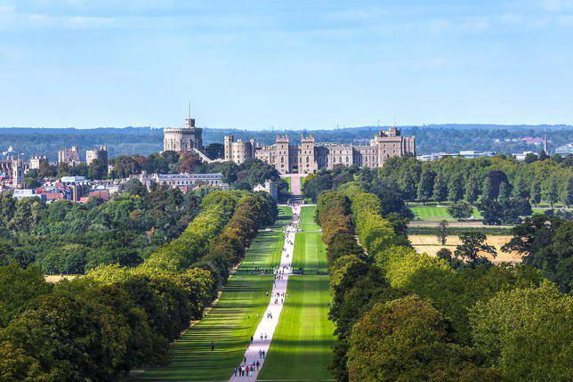 Windsor Castle/copyright by Wikipedia