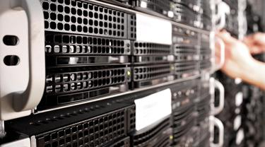 Ilustrasi Server, Cloud Server, Cloud Hosting