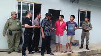 WN Tiongkok yang ditangkap di daerah terpencil di Bogor. (Liputan6.com/Achmad Sudarno)