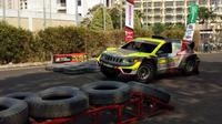 Tim balap BMB Motorsport-Hascar memanfaatkan Otobursa Tumplek Blek 2019 untuk memperkenalkan mobil balap terbarunya. (Septian / Liputan6.com)