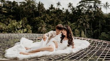 FOTO: Potret Prewedding Reza Arap dan Wendy Walters di Bali, Berkonsep Unik