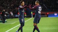 Neymar menjadi bintang kemenangan PSG saat menggilas Dijon. (AFP/Christophe Archambault)
