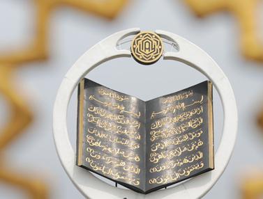 Melihat Tugu Al-Quran Tertinggi di Dunia