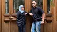 Muzdalifah bersama suami