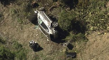 Kecelakaan mobil pemain golf Tiger Woods.