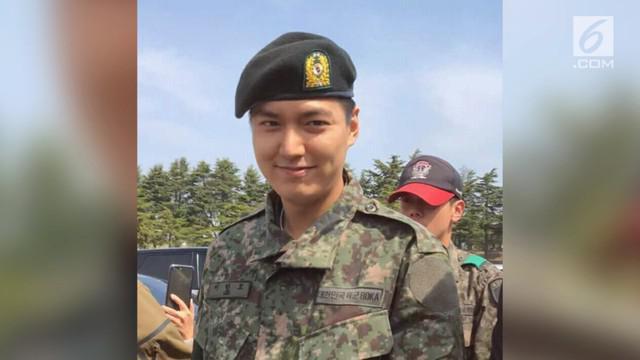 Lama tak terlihat, Lee Min Ho membuat kaum hawa heboh lantaran foto dirinya yang tersebar usai wajib militer.