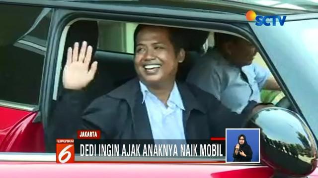 Pengemudi ojol Dedi Haryadi terima mobil Mini Cooper seharga Rp 12.000 dari Bukalapak.