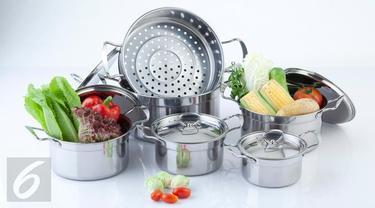 3 Cara Ampuh Bersihkan Peralatan Dapur Berbahan Perak