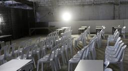 Suasana media center dari Stadion Rizal Memorial di Manila,Senin (25/11). Meski akan digunakan untuk ajang SEA Games 2019 kondisi ruangannya sangat memprihatinkan. (Bola.com/M Iqbal Ichsan)