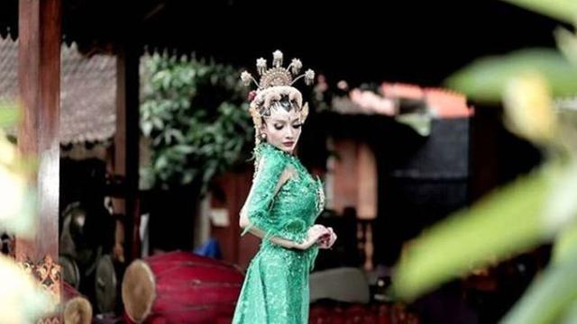 Tak Bisa Lagi Dandan Ala Ratu Kidul Roro Fitria Bikin Fans Kecewa