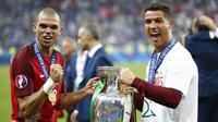Pepe dan Cristiano Ronaldo (Reuters)