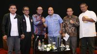 Hanif menjadi  narasumber Dialog Sosial Serikat Pekerja/Serikat Buruh di Bekasi.
